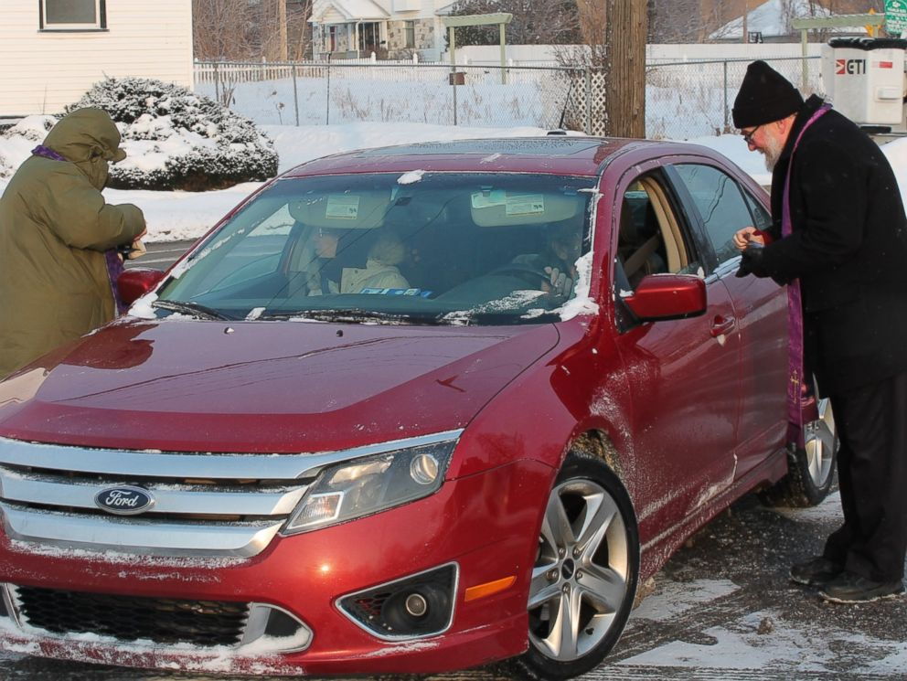 "PHOTO: All Saints Episcopal Church in Pontiac, Michigan, offered a ""Drive –Thru"" Ash Wednesday service, Feb. 18, 2015, from 7:30 to 8:30 a.m."