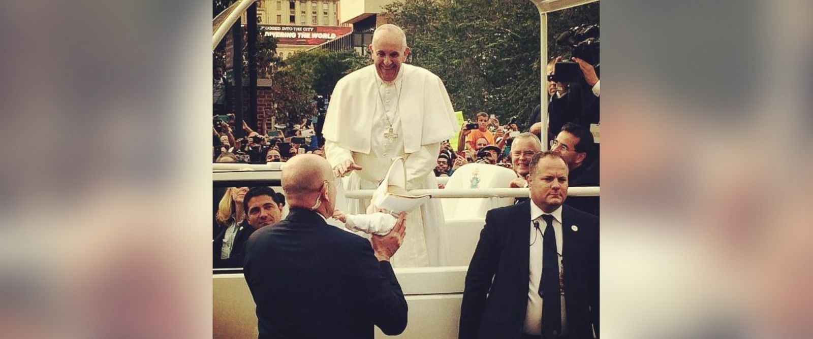 PHOTO: Dana and Daniel Maddens daughter, Quinn, met Pope Francis in Philadelphia on Sept. 26, 2015.