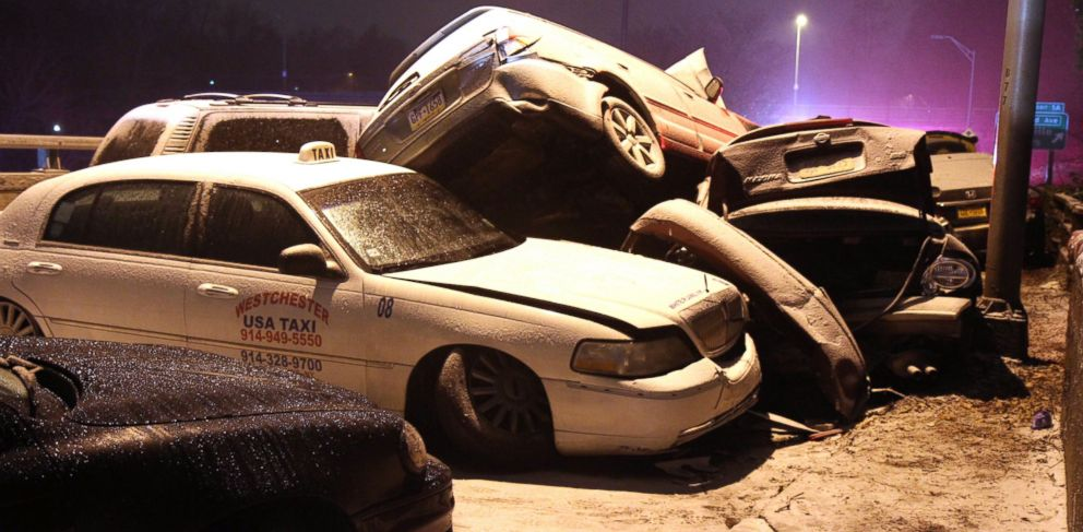PHOTO: Thirty-five people were reportedly injured and 25 cars towed in a pileup on the Bronx River Parkway in Yonkers, N.Y., Dec. 8, 2013.