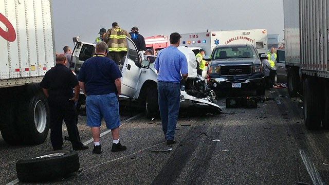 PHOTO: At least two people have died and at least 48 people were transported to the hospital after a 100 car pileup in Texas, Nov. 22, 2012.