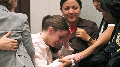 PHOTO:Casey Anthony overcome with emotion after verdict