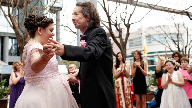 PHOTO: Dallas Wiens and Jamie Nash have their first dance after getting married at their reception in Forth Worth, Texas, March 30, 2013.