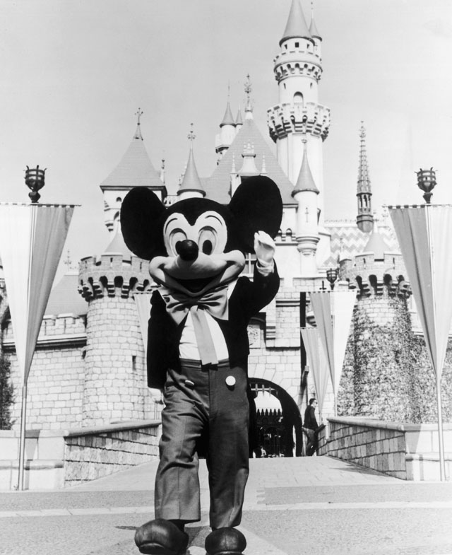 ht disney mickey kb 130717 blog Yesteryear in Disneyland
