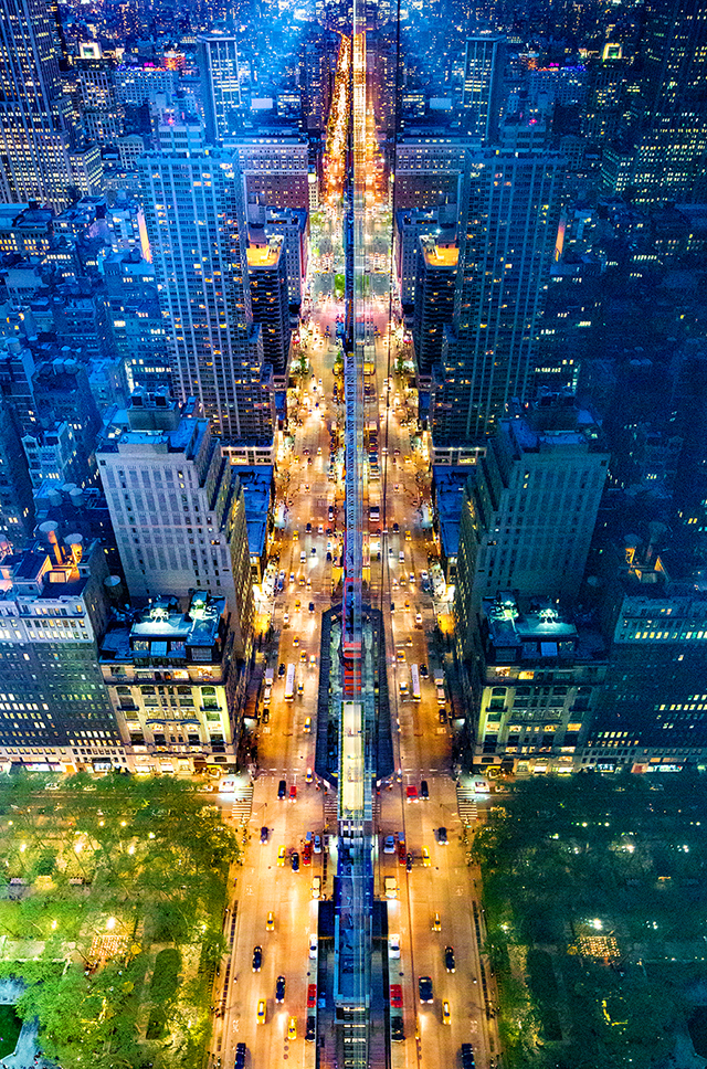 ht donna dotan3 kb 140707 BLOG Photos of New York Reflected in Glass
