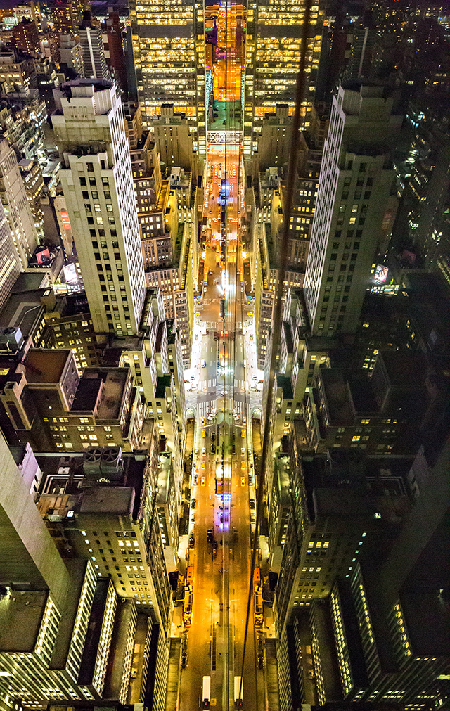 ht donna dotan5 kb 140707 BLOG Photos of New York Reflected in Glass