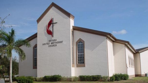 ht estero church kab 140314 16x9 608 Drive Thru Prayer Delivers God to Go