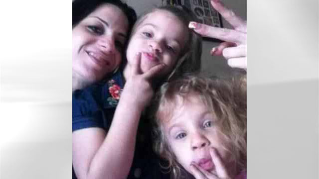 PHOTO: Gladys Machado, 29, and her two girls, Julia Padrino, 8, and 6-year-old Daniela Padrino were found dead in their Miami home.