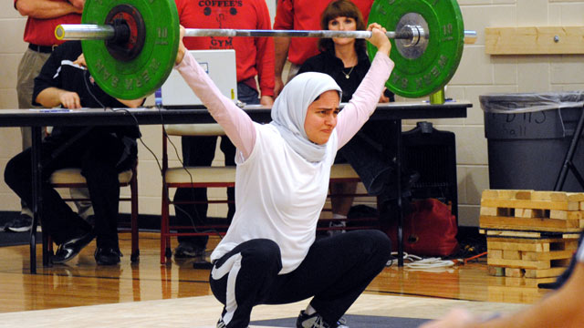 PHOTO: Weightlifter Kulsoom Abdullah