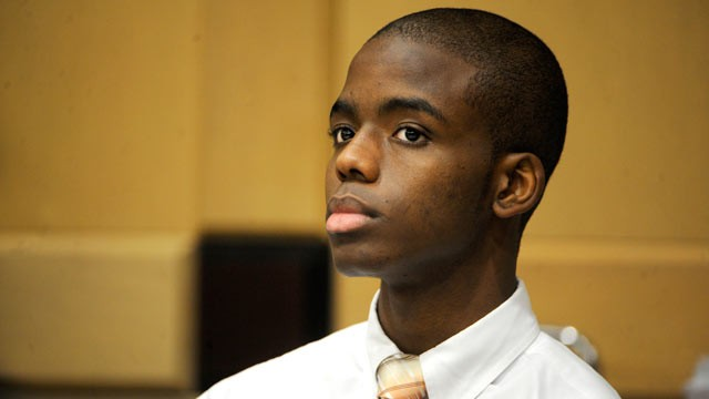 PHOTO: Matthew Bent, who is accused of burning Michael Brewer in Oct. 2009, waits for the jury to enter the courtroom during his first day of trial in Broward court, June 12, 2012.