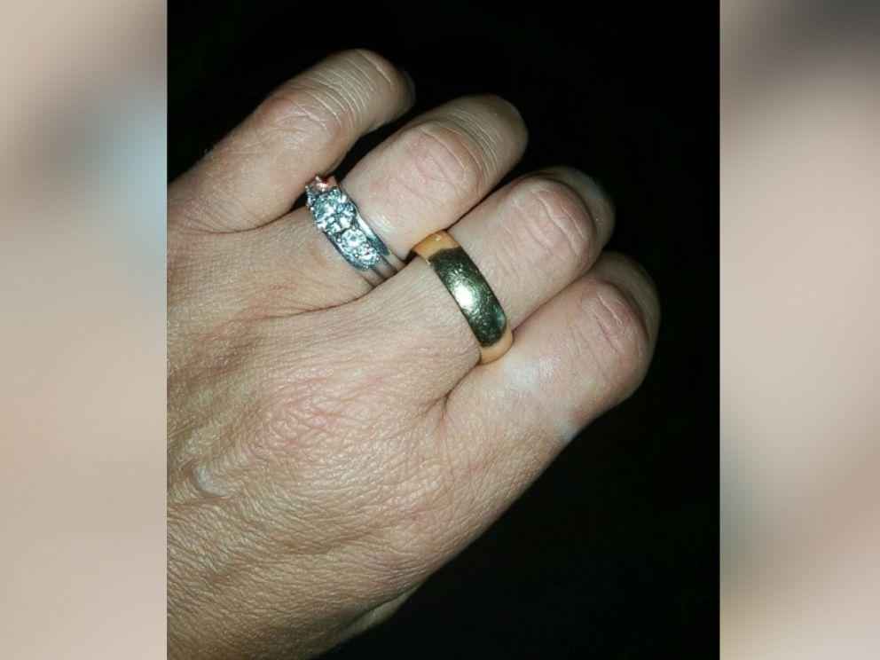 photo after rhonda thills husband randy died in a motorcycle crash friends - Biker Wedding Rings