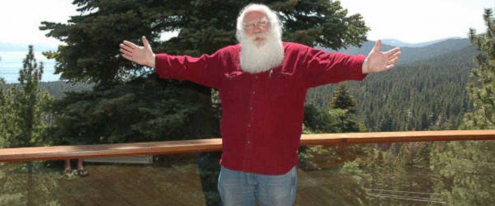 PHOTO: A man named Santa Claus has won a city council seat in North Pole, Alaska.