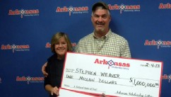 PHOTO: Winners Stephen and Terri Weaver won twice on two separate $1Million Riches instant tickets, Feb. 4, 2013.