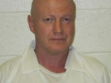 Manhunt for Escaped Murderer in Arkansas