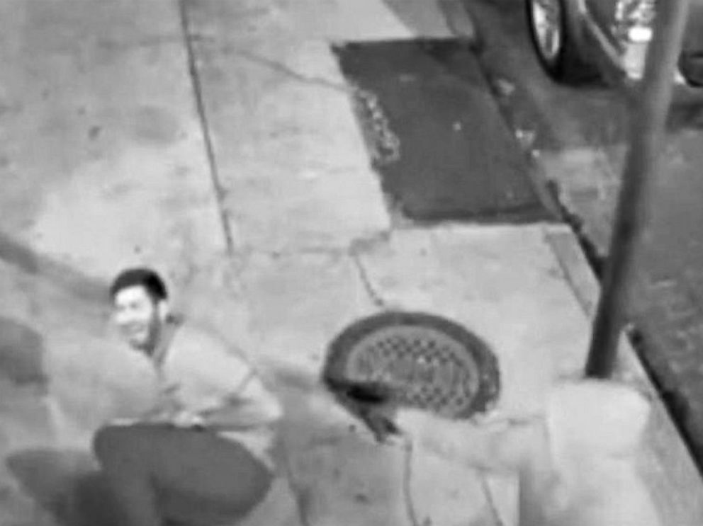 PHOTO: Surveillance video released by police shows a man that they identified as suspect Euric Cain targeting medical student Peter Cold on Nov. 20, 2015 in New Orleans.