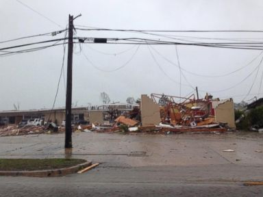 Large Tornado Rumbles Through Tupelo