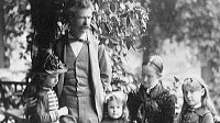 PHOTO: Humorist and author Mark Twain is shown here with his three daughters, Clara, Jean and Susy. Only the second-born, Clara, lived to adulthood. A boy died in infancy, Jean drowned in the bath tub of an epileptic fit and Susy died of meningitis.