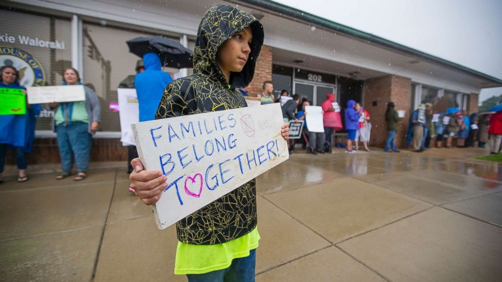 http://a.abcnews.com/images/US/immigration-protest-2-ap-jt-180622_hpMain_16x9_992.jpg