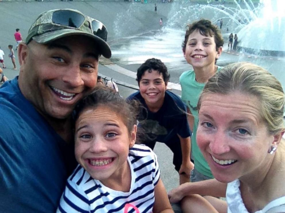 PHOTO: Jeff Bramstedt with his wife Robin and three children.