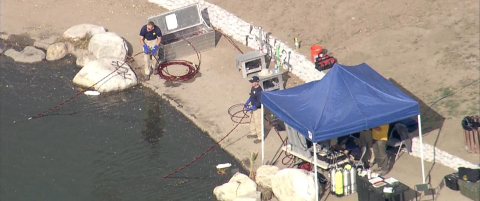 PHOTO: FBI dive teams search Seccombe Lake Park in San Bernardino, Calif. on Dec. 10, 2015 in connection to a mass shooting in San Bernardino earlier in the month.