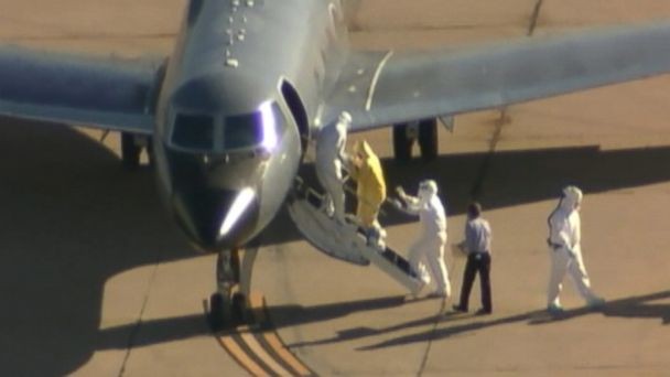 http://a.abcnews.com/images/US/kdfw_amber_vinson_clipboard_man_ebola_jc_141016_16x9_608.jpg