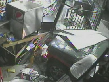 PHOTO: A smash-and-grab beer theft in Bakersfield, California, on May 3, 2015.