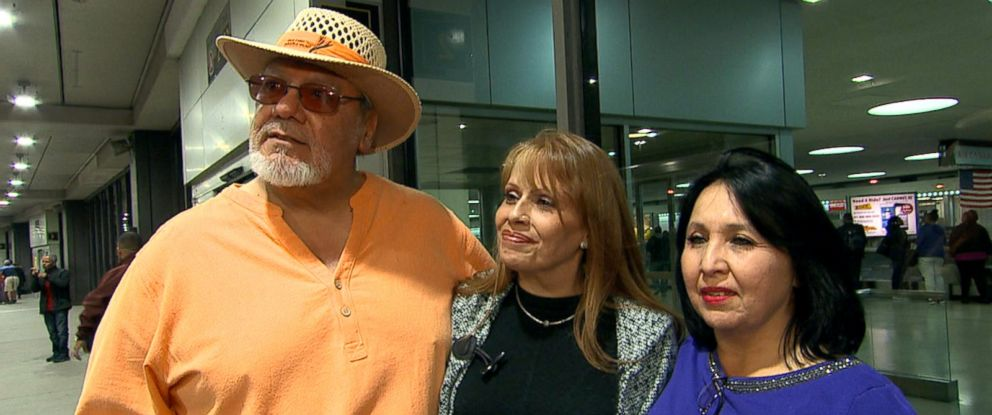 PHOTO: Lisbeth Vasquez meets with Angel and Patsy Gomez of Texas.