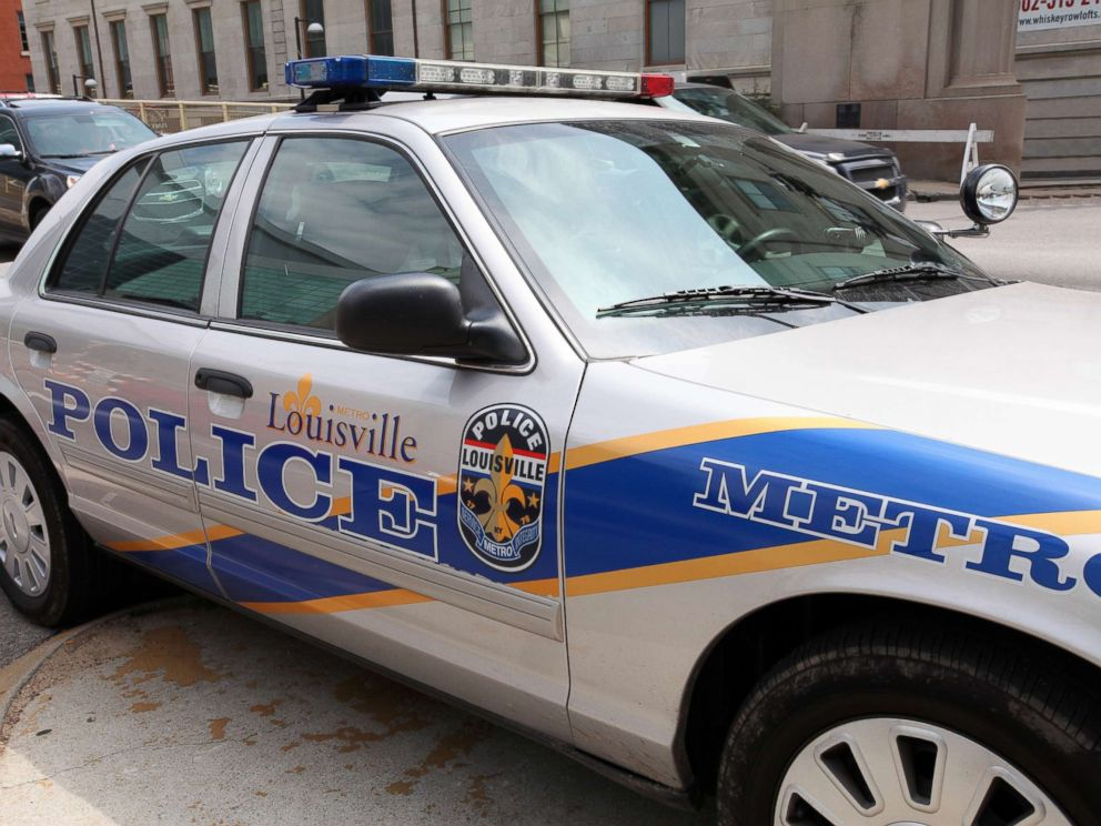 PHOTO: Louisville Metro Police car sits outside KFC Yum Center, home of the Louisville Cardinals basketball team on May 30, 2014 in Louisville, Kentucky.