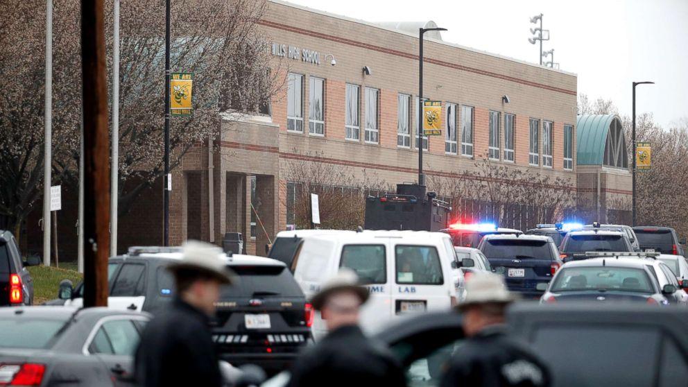 http://a.abcnews.com/images/US/maryland-school-shooting-ap-1-thg-180320_hpMain_16x9_992.jpg