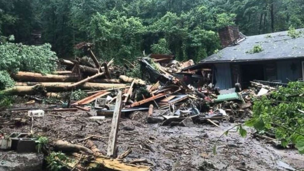 http://a.abcnews.com/images/US/mudslide-north-carolina-wlos-mo-20180521_hpMain_16x9_992.jpg