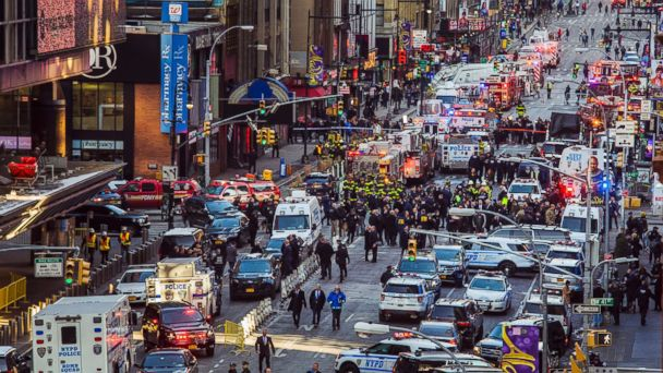 http://a.abcnews.com/images/US/new-york-explosion-02-ap-jc-171211_16x9_608.jpg