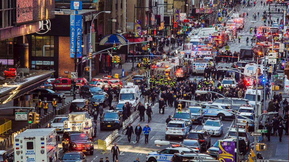 http://a.abcnews.com/images/US/new-york-explosion-02-ap-jc-171211_16x9_992.jpg