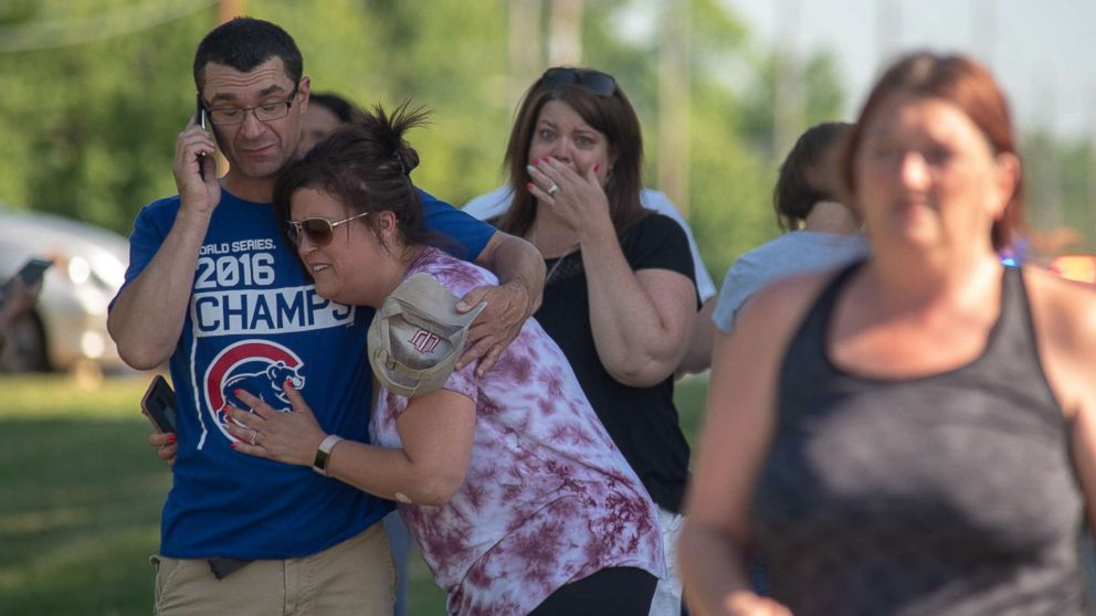 http://a.abcnews.com/images/US/noblesville-school-shooting-08-gty-jc-180525_hpMain_16x9_992.jpg