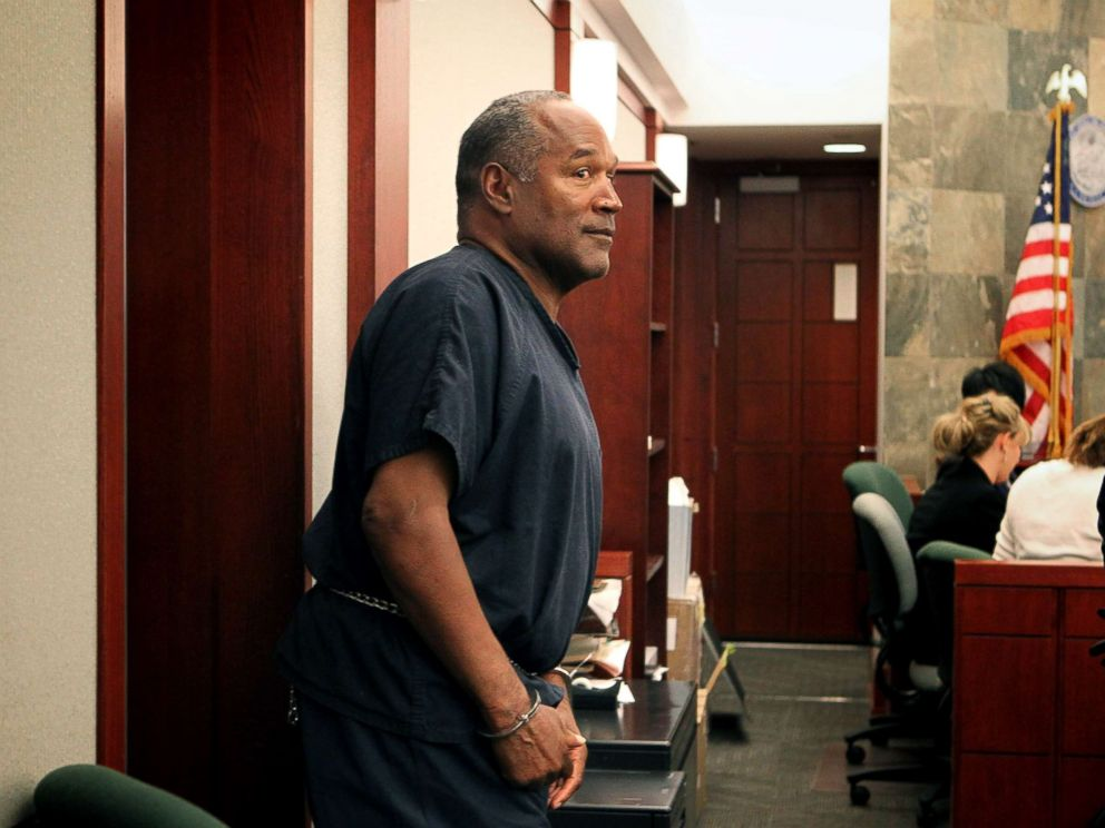 PHOTO: O.J. Simpson arrives in evidentiary hearing in Clark County District Court, May 15, 2013, in Las Vegas.