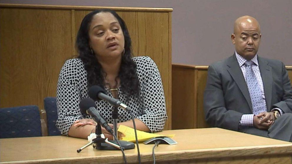 http://a.abcnews.com/images/US/oj-simpson-parole-hearing-14-abc-jc-170720_16x9_992.jpg