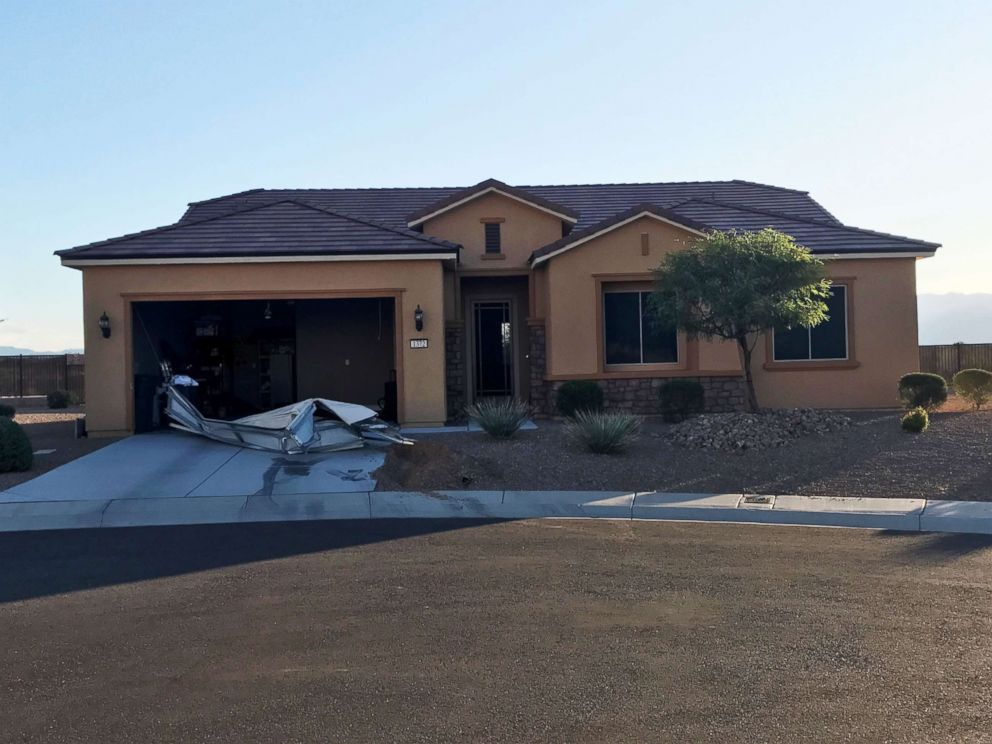 PHOTO: The house in Mesquite, NV, where the suspect in the Las Vegas shooting, Stephen Paddock, lived. Investigators used a robot to remove the garage door during the search, Oct. 2, 2017.