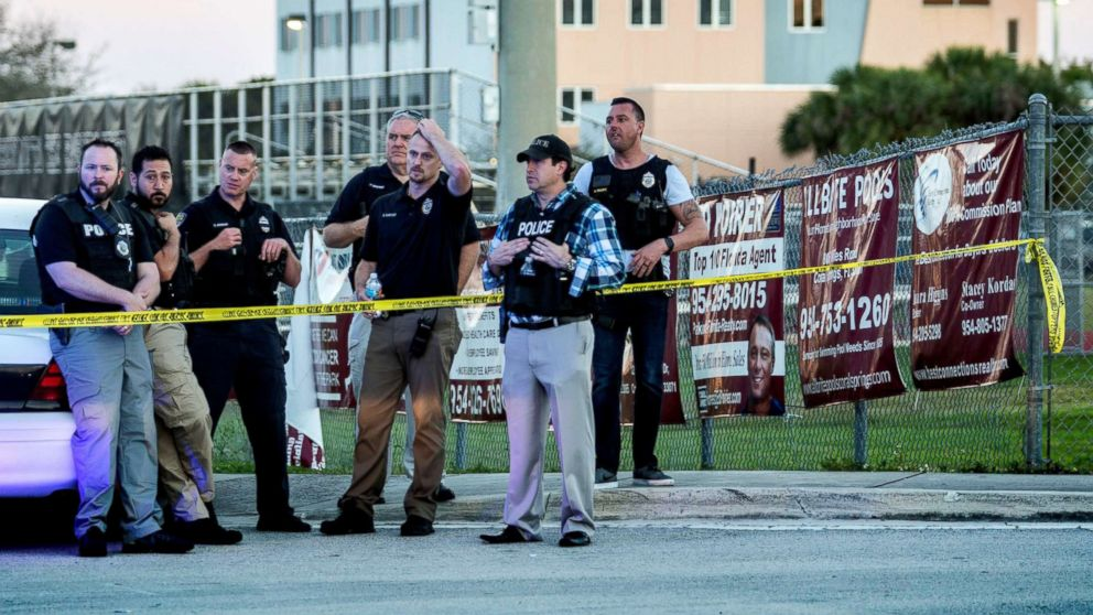 http://a.abcnews.com/images/US/parkland-shooting1-sh-ml-180215_16x9_992.jpg