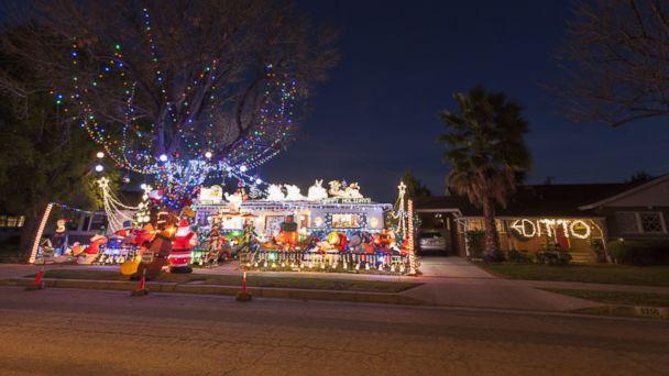pcn christmas lights kb 131224 16x9 608 DITTO Neighbor Lights Up Christmas Display Competition