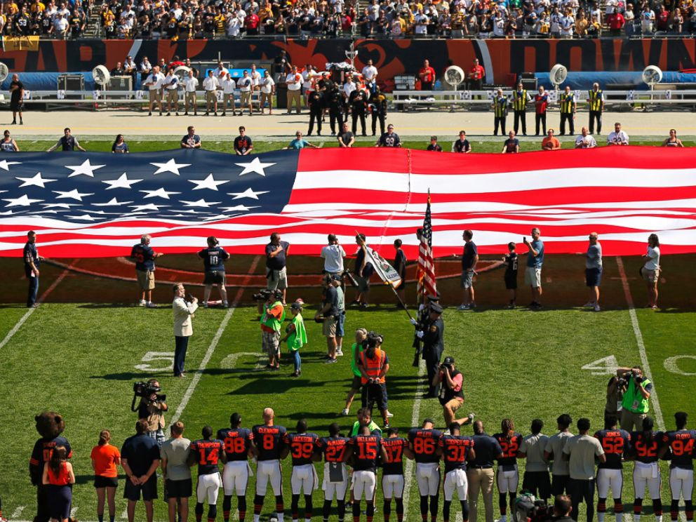 PHOTO: The Pittsburgh Steelers side of the field is nearly empty during the playing of the national anthem before an NFL football game between the Steelers and Chicago Bears, Sept. 24, 2017, in Chicago.