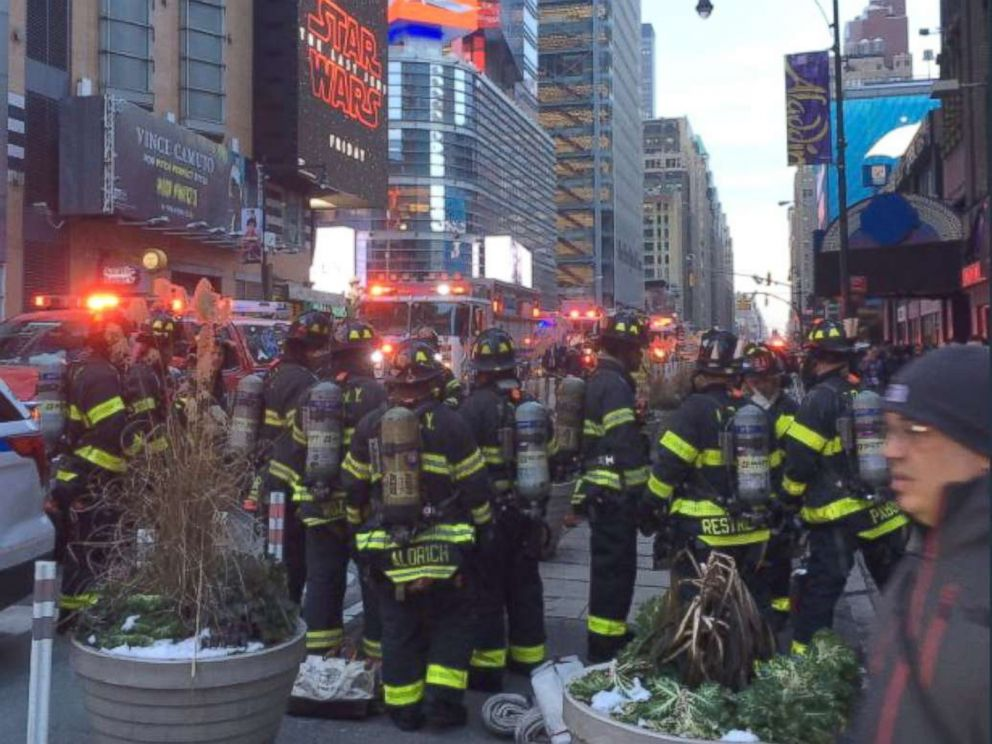 PHOTO: Port Authority closes down due to a pipe bomb explosion, Dec. 11, 2017, in New York City.