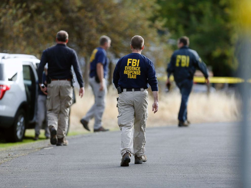 PHOTO: FBI Investigators visit Rancho Tehama elementary school in the small community of Rancho Tehama, Calif. where a gunman killed at least four people in a violent rampage, Nov. 14, 2017.