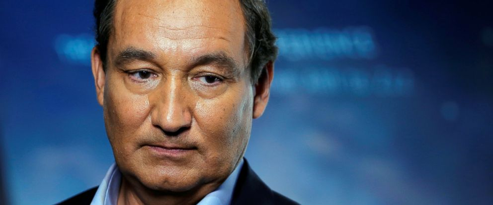 PHOTO: Chief Executive Officer of United Airlines Oscar Munoz introduces a new international business class dubbed United Polaris in New York, June 2, 2016.