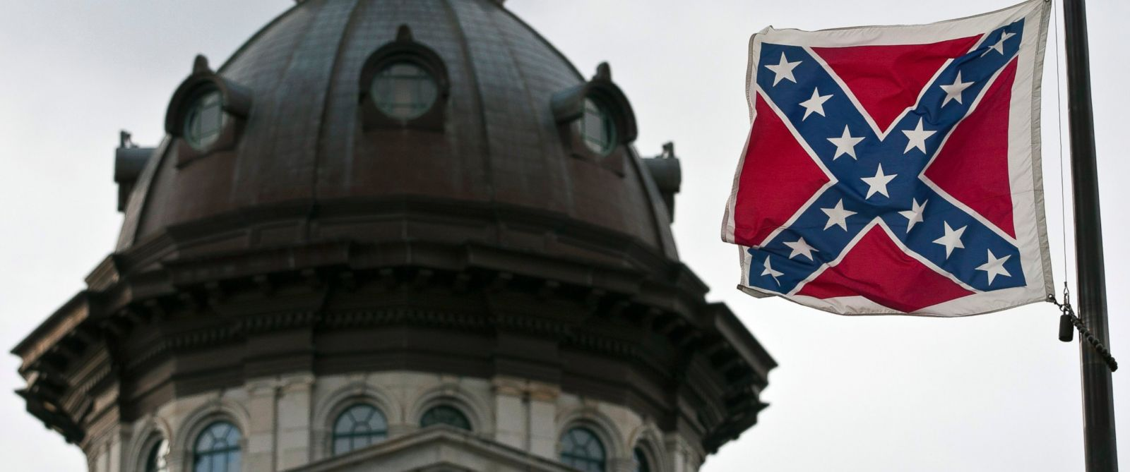PHOTO: A Confederate flag flies outside the South Carolina State House in Columbia, South Carolina January 17, 2012.