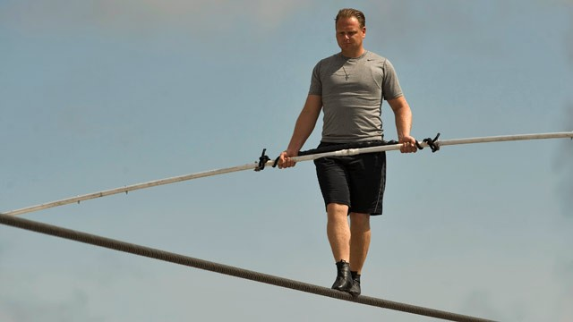 Famed High Wire Artist Nik Wallenda Set to Cross Arizona Canyon