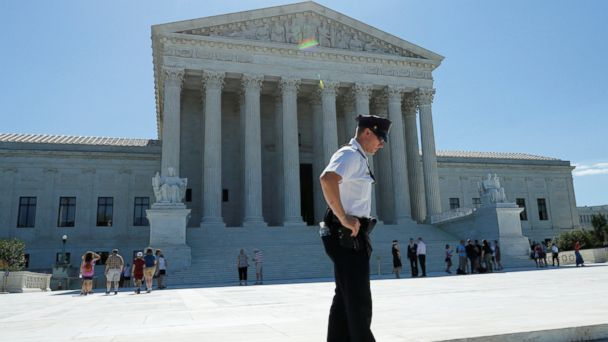 PHOTO: A police officer stands outside the U.S. Supreme Court building in Washington, June 26, 2017.