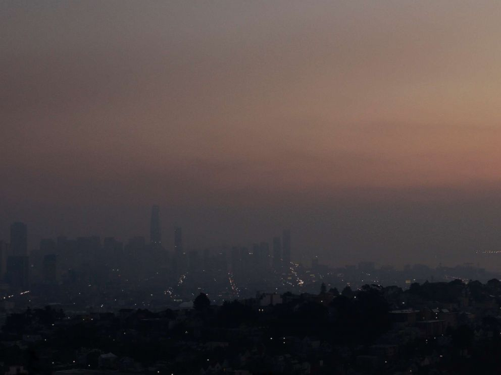PHOTO: Smoke from regional wildfires obscures the skyline in San Francisco, Oct. 12, 2017.
