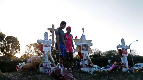 http://a.abcnews.com/images/US/school-shooting-memorial-01-as-ap-180219_16x9_608.jpg