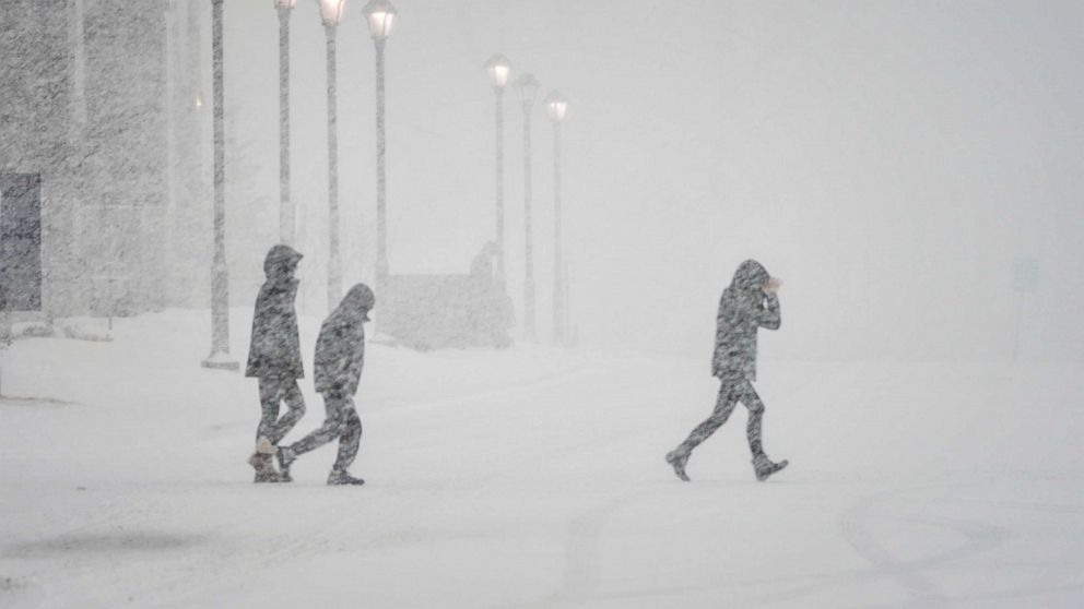 13 states from Dakotas to North Carolina on alert for heavy snow