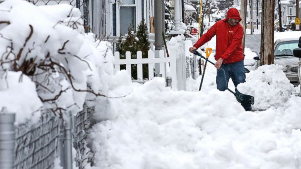 Snow intensifies ahead of evening commute as storm hits US Northeast