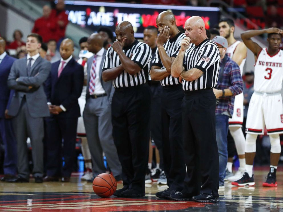 South Carolina State basketball player collapses on sideline