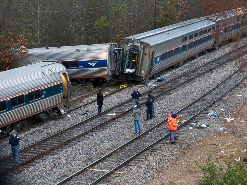 south-carolina-train-crash-03-ap-jc-1802